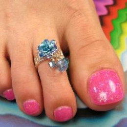 Gel/Shellac Nail Pedicure: How To Do Your Own at Home