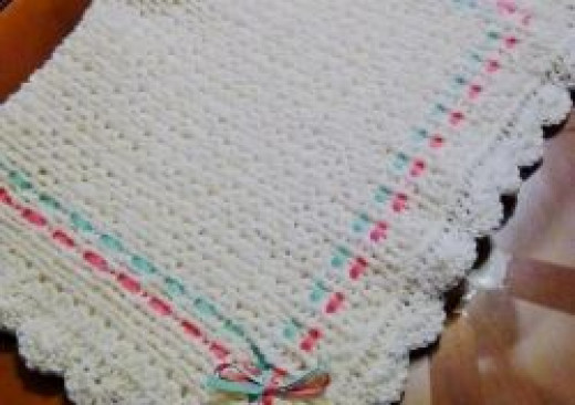 Knifty Knitter Baby Blanket with Shell Stitched Edge