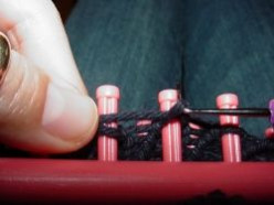 Knifty Knitter Knitting Looms