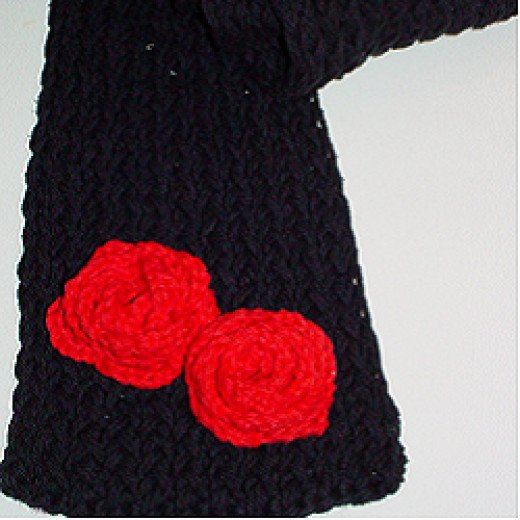 Knifty Knitter Valentine's Day Scarf
