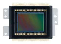 12.2 Megapixel APS-C Size CMOS Sensor