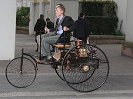 Working Replica of 1885 Benz 3 Wheeler