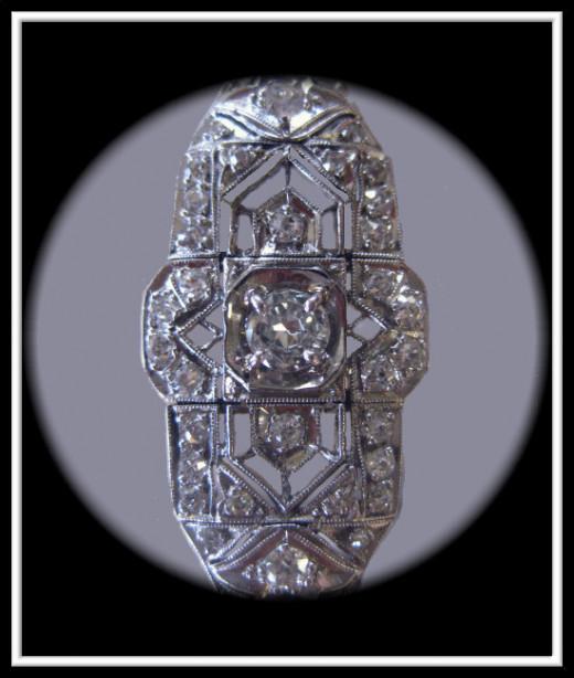 Antique Diamond pendant centerpiece