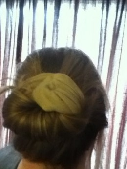 Day 27: EZ bun. Not really, I made my own easy bun because the official website didn't offer Paypal as an option for payment. It turned out pretty good considering but I think I still like the sock bun the best even though it is a little more work.