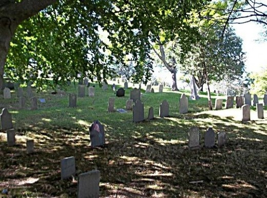 Burial Hill where Mayflower passengers are buried including Govenor William Bradford and William & Mary Brewster. The last burial took place in 1957. Markers made of carved wood did not survive but by the mid seventeen hundreds, stone makers were