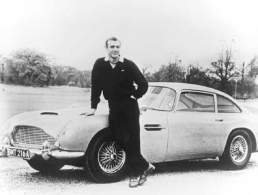 Sean Connery 007 Aston Martin