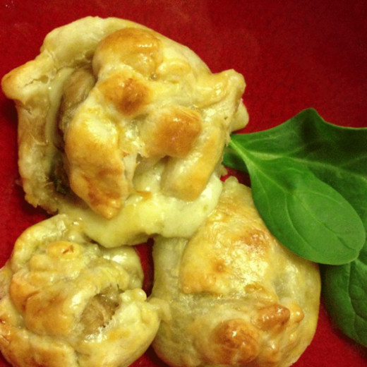 Mushroom & zucchini pastry parcels