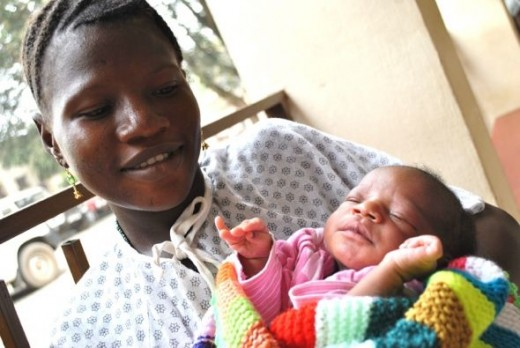 Mother and baby doing well (c) Freedom from Fistula Foundation