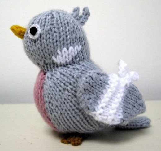 Percy Pigeon designed and knitted by Alan Dart. Image: areyoubeingbullied.com