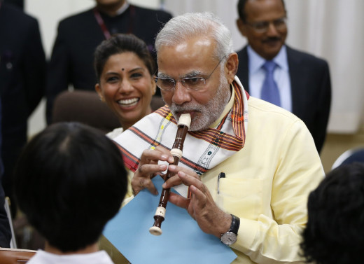 Mr.Narendra Modi Playing Flute for Japanese Children