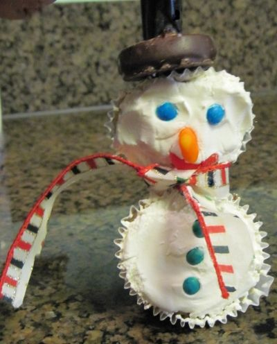 For Individuals Who Can Not Eat Coconut, Simply Leave the Coconut Off and Decorate the Snowman Cupcake