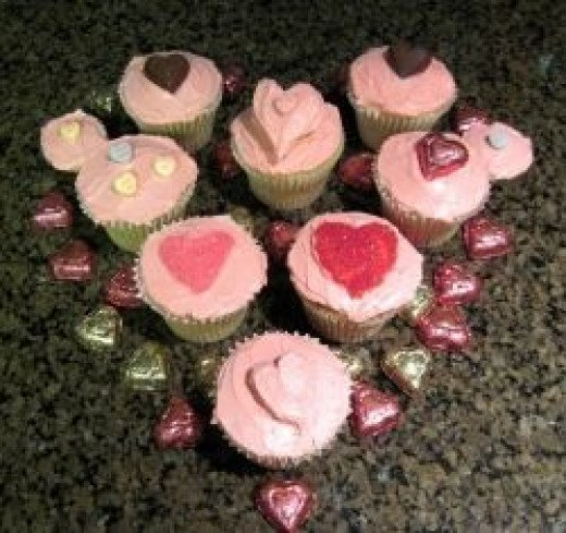 Decorating Cupcakes and Cakes with Sylvestermouse