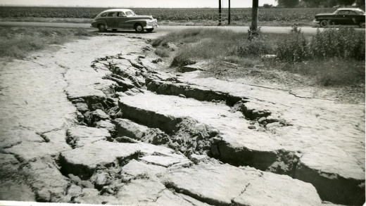 Faultline Cracks Near Bakersfield