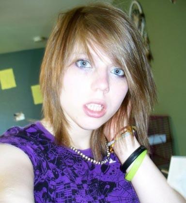 Alyssa posing just like any ordinary teen (Public Domain Image)