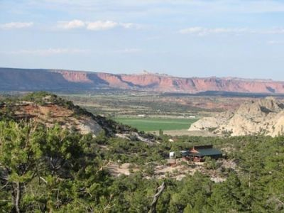 Utah house with full view of Capital Reef National Park to the northeast