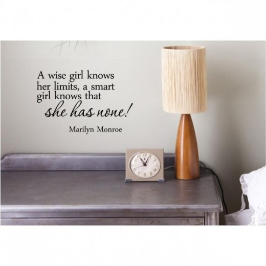 Marilyn Wall Lettering - A Wise Girl, A Smart Girl