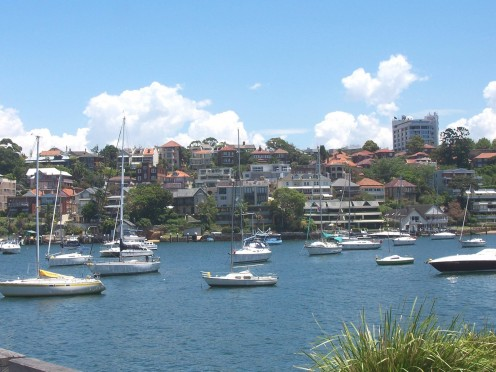 Houses overlooking the Sydney Harbour
