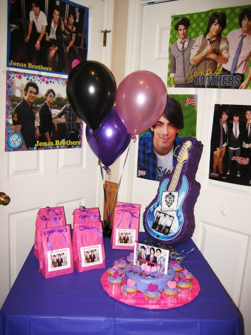 Jonas Brothers Cake and Party Favors Table