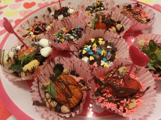Remove all the cupcake liners from the tray loaded with chocolate and sweets and serve any way you love them.