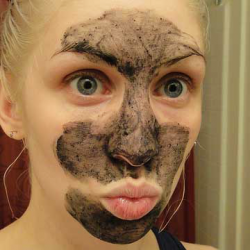 Product featured is a pore-cleansing face mask called 'Dark Angels' from the shop Lush.