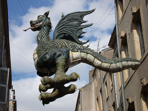 """A Dragon from folklore.  http://commons.wikimedia.org/wiki/File%3AGraoully.JPG"""""""