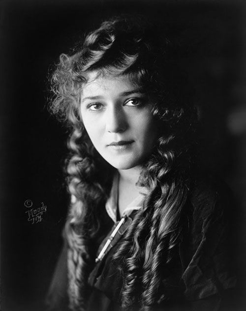 Mary Pickford portrait taken between 1910 and 1920. Photo credit Wikimedia Commons.