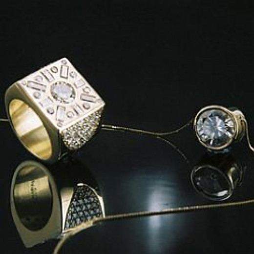 Diamond Jewelry (Photo Credit: MAURO CATEB)