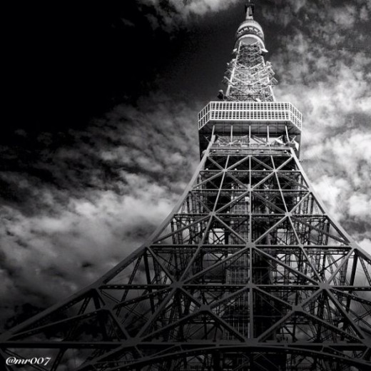 Eiffel Tower photography by mr007