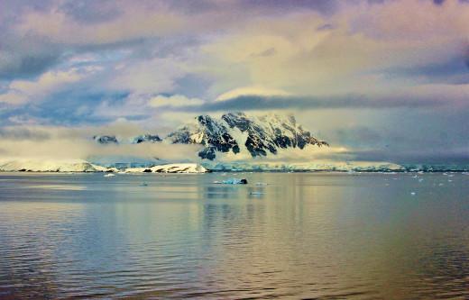 Antarctica Ice (via Pixabay)