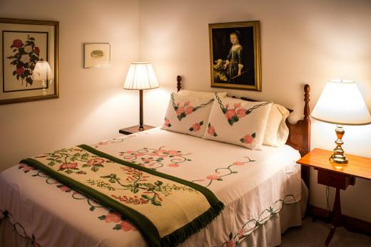 Nice Cozy Bright Bedroom (from Pixabay)
