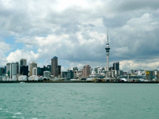 The Auckland SkyTower, the tallest tower in the Southern Hemisphere, dominates the city skylline