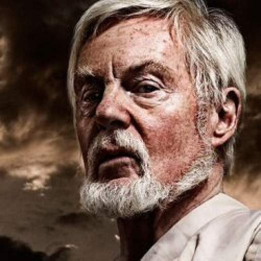 Derek Jacobi is a magnificent Claudius