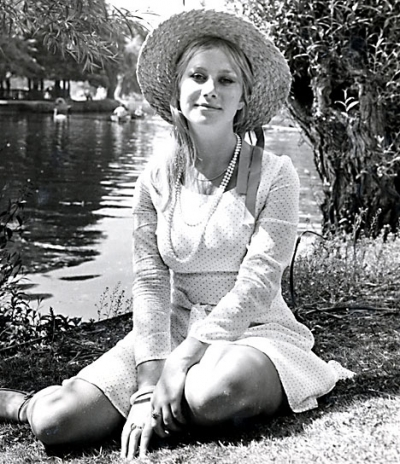 A youthful Helen Mirren