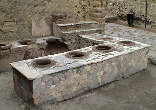 The thermopolium, a hot food shop