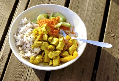 Diced chicken with curry
