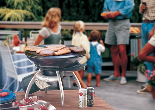 Round surface optimized grill area with a small table  footprint