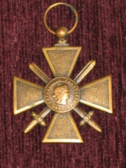 French 1914-18 Croix de Guerre Gallantry Medal - obverse