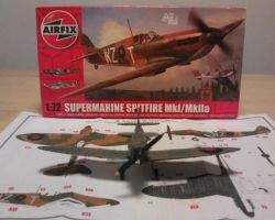 Airfix Mk1 Spitfire Kit A02010 19 Squadron Duxford 1938