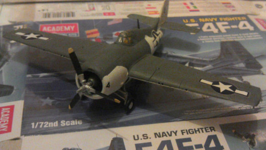 Academy USN Grumman F4F-4 Wildcat