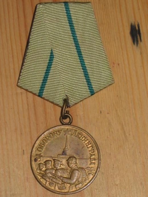 WWII Soviet Defence of Leningrad Medal - obverse