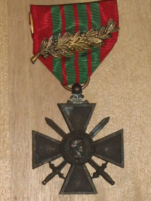 French WWII Croix de Guerre (obverse, shewing palm)