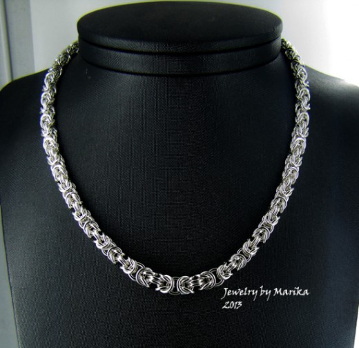 chain maille necklace