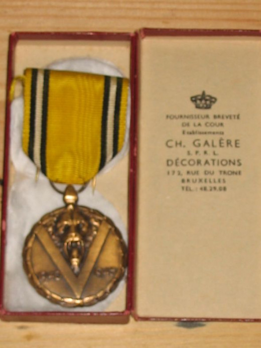 A boxed WW2 Belgian War Commemorative Medal