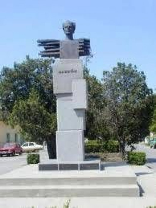 Statue of Bela Bartok in Nagyszentmiklos for remembrance.