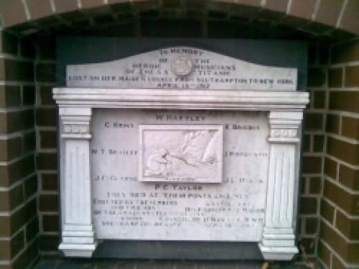Titanic-Musicians-Memorial