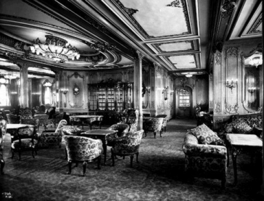 A 1920's photo of the First Class Lounge