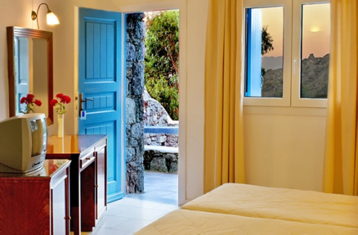 Paradise View Hotel, Mykonos with 25 stylishly decorated rooms