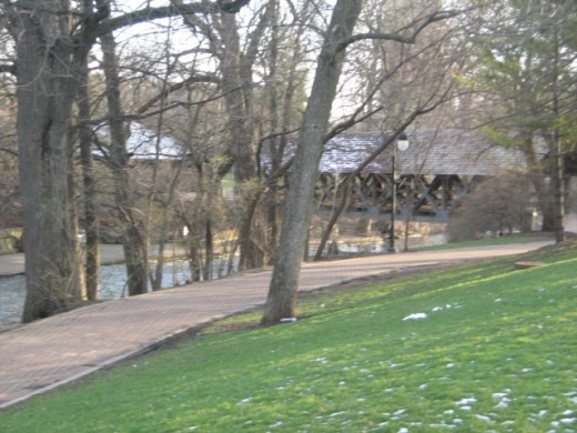 The walk along the Du Page River in Naperville - the Riverwalk