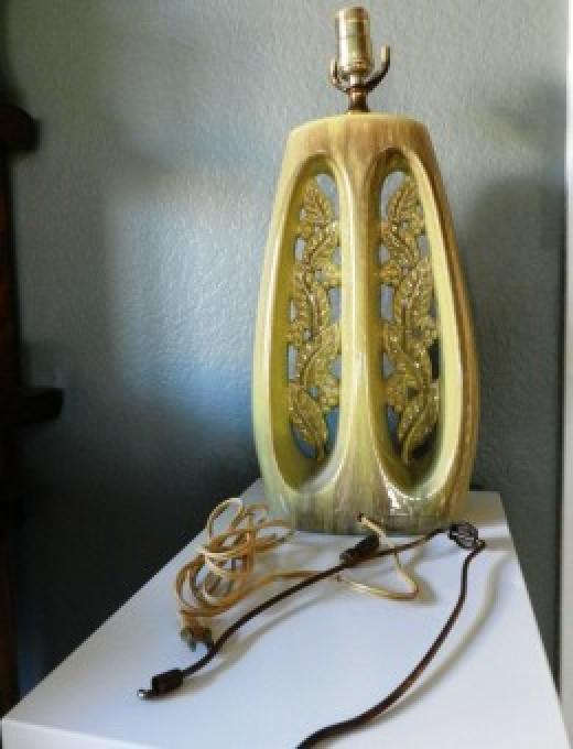 Old Gonder Lampbase
