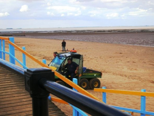 There is also a four wheel drive beach buggy to round up those foolhardy enough to walk right out to sea when the red flag is flying. Once the tide turns it will cover the whole beach in less than an hour!